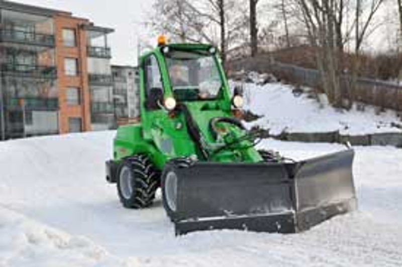 Avant 750 with Snow Plow